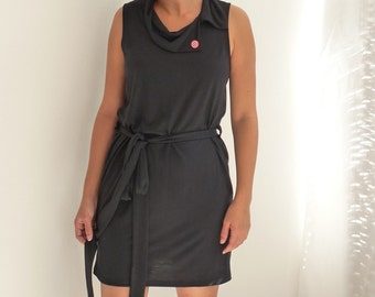 Chic dress for a sunny day - black