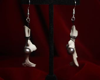Bone/Pearl Earrings.