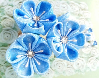 Kanzashi Triple Flower Hair Clip Bridal Gown Fabric Hand-Dyed Blue Detachable Trailing Petals