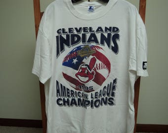 Vintage 90s Cleveland Indians T-Shirt.Starter tag size(XL)