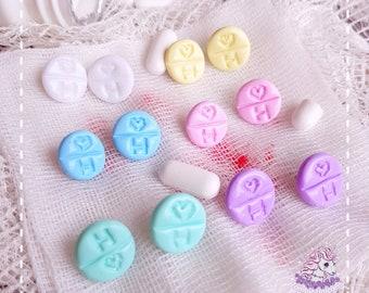 Cute Medicine stud earrings menhera yamikawaii