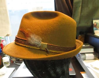 Mens 1960's brown felt hat by saxson