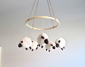 Baby mobile sheep, lamb baby mobile, nursery decor lambs, black and white baby mobile, shower gift, lamb nursery, gender neutral, organic