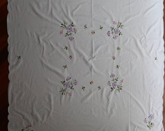 Vintage linen rectangular tablecloth sprinkled with pretty flowers.  Proceeds to charity VACD Ltd