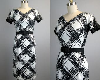 Vintage 1950s Cotton Dress 50s Black and White Abstract Plaid Sheath Dress by Jeannette Alexander Size S