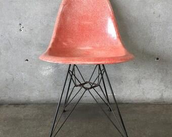Eames Eiffel Fiberglass Chair for Herman Miller (ZV6NDJ)