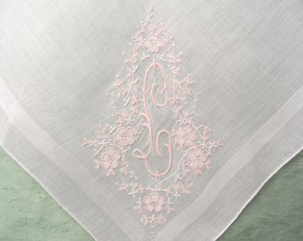 Monogram L embroidered handkerchief / vintage pink hankie / initial L, letter L