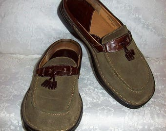 Vintage Ladies Khaki Green Suede Leather Slip On Mules Clogs by Born Size 9 Only 10 USD