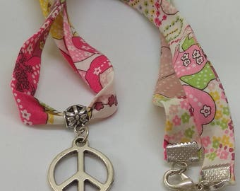 necklace charm, pink Dragon