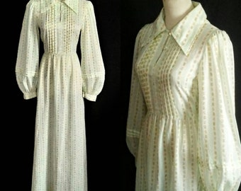 Vintage 1970s Sheer Mint Floral Bishop Sleeved Hippie Dress M/L / Vtg 70s Pin Tucked Maxi With Butterfly Collar & Button Keyhole Neckline