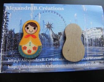 1 Russian doll wooden 30 mm x 17 mm