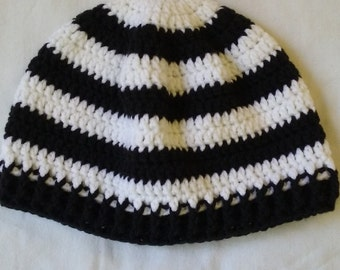 Black and white stripes beanie hat for men and women