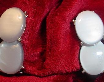 1950s Gray Clip On Earrings