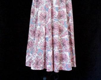 ON SALE 1950s Skirt // Leafy Vine Flowing A Line Botanical Skirt