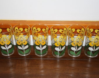 Mid Century Retro Flower Design Glasses Set of 6