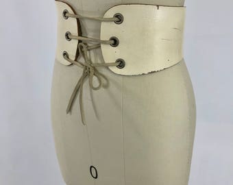 1960's Custom Made Ivory White Leather Lace Up Waist Cincher Kidney Belt | Size Small