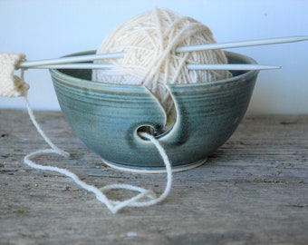 Ceramic Yarn Bowl, simply elegant crochet bowl,  pottery wool bowl, ceramic knitter's bowl, knitting and crochet accessory, gift for knitter