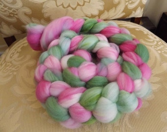 Hand dyed Superwash wool and nylon roving for socks (sweet pea)