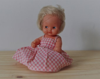97 Famosa doll - Baby vintage gingham dress pink and white - hinged baby retro - vintage toy - Spanish Barriguitas - Collection