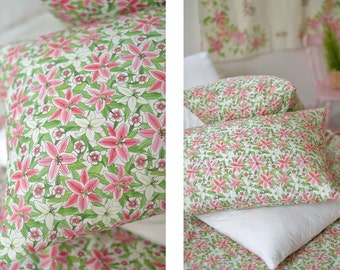 Sales / Lily & Dianthus Pattern 30s Cotton wide Width Fabric