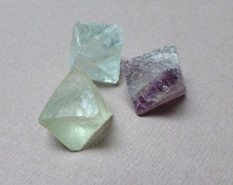 Flourite Octahedron Stones. Gemstone Undrilled. Wire Wrapping Stone. Altar Stones. Talisman. Wicca Stones. 18mm. One (1)