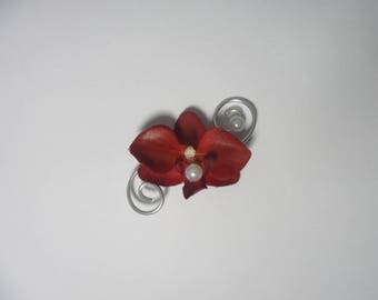 Buttonhole for Burgundy and silver wedding brooch