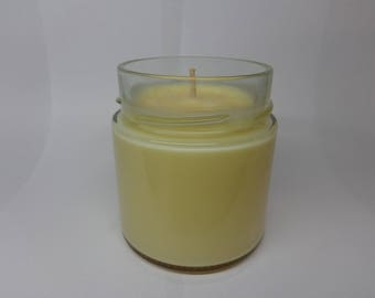 Vegetable soy wax scented candle monoi of Tahiti.