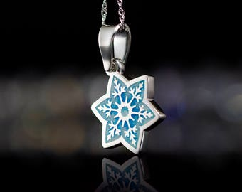 New Year Gift for Her New Year Present Silver Snowflake Necklace Snowflake Pendant Snowflake Jewellery Snowflake Silver Winter Necklace