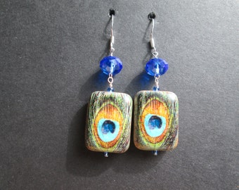Peacock feather design earrings