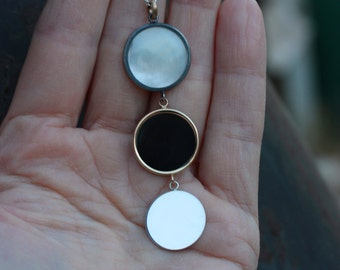 Long Triple Moon Silver Gold Necklace Mother of Pearl Agate Black White Yellow 14k Romantic Celestial Lunar Boho Gift Idea Her - Mondgestirn