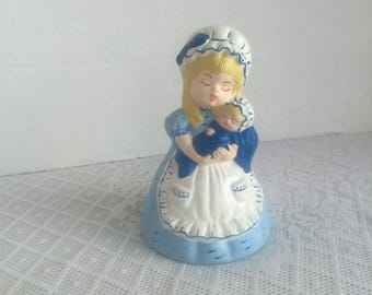 Ceramic Mother and Baby Figurine / Vintage Mother's Day Gift / Collectible Gift for Mom