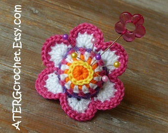 PINCUSHION FLOWER RING by ATERGcrochet