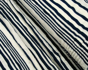 Jacquard blue wavy stripes on white 0.54yd (0,5m) 003408
