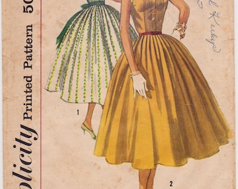 Simplicity 2033 Junior Misses' Day Dress, Party Dress, Full Skirt Dress 1950s Vintage Sewing Pattern, Size 11, Bust 31 1/2, Complete