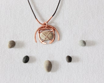 Mother nature pendant, naturel bohemian copper necklace, bohochic riverstone pendant