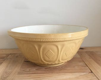 1950's Vintage Large baking Bowl 12 Inch / 30cm Diameter Made In England