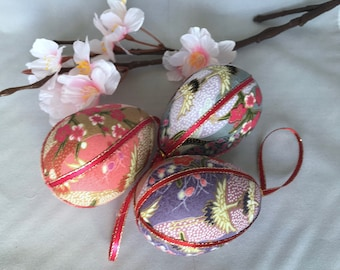Pink gray purple quilted Easter egg ornament decoration Easter tree Kimono fabric ornaments Housewarming Gift for Teacher Patchwork egg
