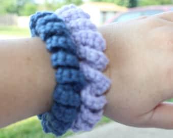 Crochet chunky spiral bangle bracelet