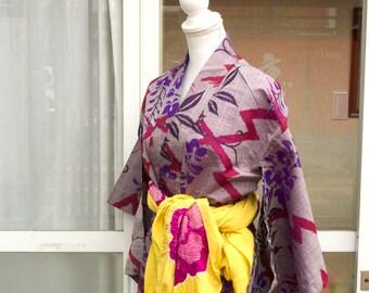 Purple flower kimono / Japanese kimono / vintage kimono robe