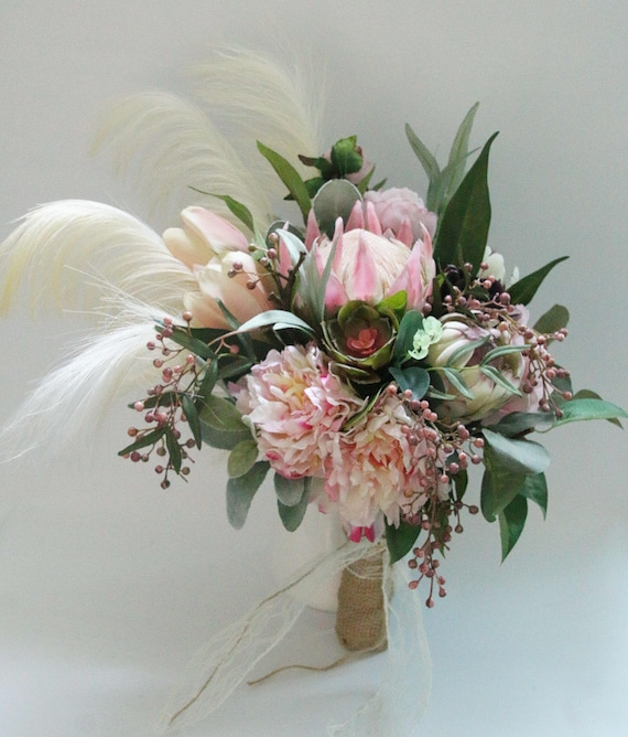 Bride\'s bouquet wedding flowers. Native flowers and