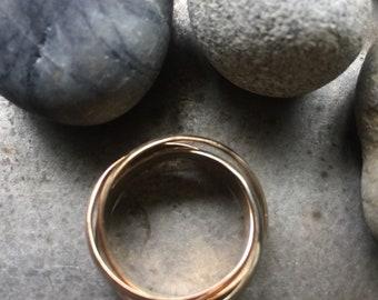 14k tri gold rolling ring