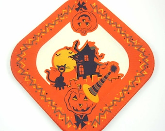 Vintage Halloween Paper Plate with Black Cat Jack O Lanterns Haunted House and Bats NOS