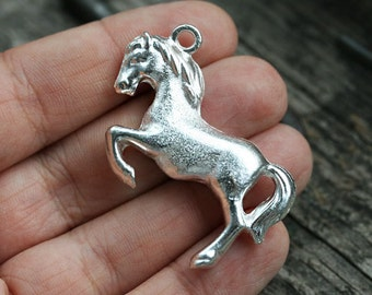 Silver Horse Pendant bead Horse charm bead 3D design Greek metal casting horse focal pendant, 40mm - 1pc- F239