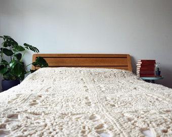 White Granny Square Blanket - Crochet Blanket in Natural White - Big Crochet Blanket - Chunky Granny Square Blanket - Crochet Plaid - Throw