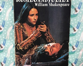 Vintage Romeo and Juliet | 1960s Zeffirelli Shakespeare Paperback