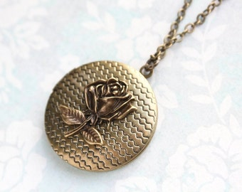 Rose Locket Necklace Romantic Flower Pendant Summer Garden Vintage Style Mothers Day Gift Valentines Jewelry Keepsake Photo Locket