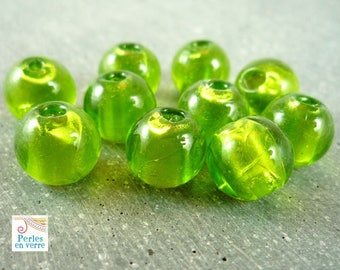 5 round beads Green Apple and silver foil, 9mm, (pv160)