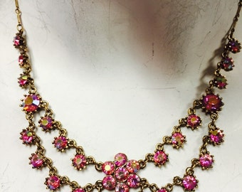 Daisy tea party necklace