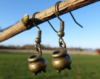 Antique Bronze Cauldron Charm Earrings - Cooking Pot Earrings - Witches Cauldron - Magic - Pagan - Witch - Wiccan