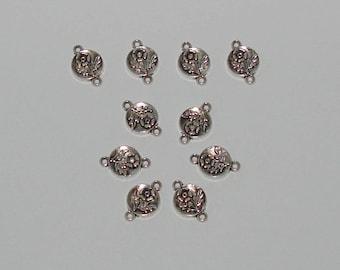 10 antique silver flower engraved round connectors